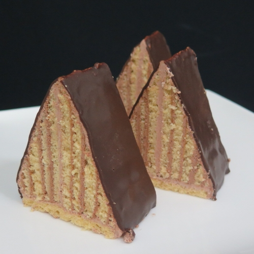 triangle-chocolate-slice